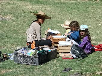 Tunuyan - Schulunterricht für Kinder auf Reisen