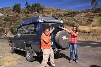 ... über die Berge nach Nazcar, feiert unser Auto...