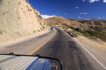 Cochabamba - Oruru - die Passstrassen winden sich höher und höher