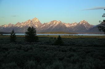 Sonnenaufgang im Teton N.P.