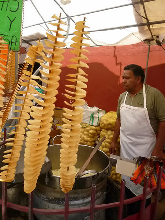 Osterfestival, fritierte Kartoffelspiralen, Guanajuato