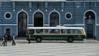 Valparaiso - die Busse der Stadt sind legendär