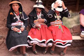 Die Inca Ruinen von Pisac - ... die Menschen um uns herum...
