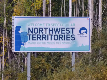 Willkommen in den Nordwest Territories, Liard Highway, Kanada