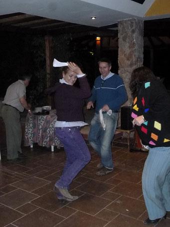 ... während Mario mit Tanja das Tanzbein schwingt
