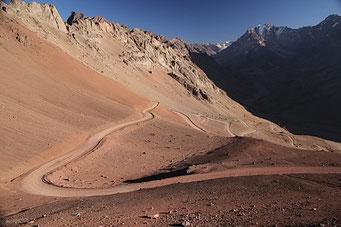 Die letzte Strecke hoch zum Pass auf Argentinischer Seite