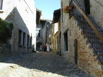 Pérouges, un village magnifiquement conservé