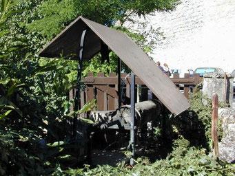 Pérouges, un village magnifiquement conservé - Le puits