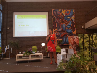 Grußworte von Dr. Katja Bär (Vorstand der Hans und Ilse Breuer-Stiftung) | Foto: IZGS der EHD