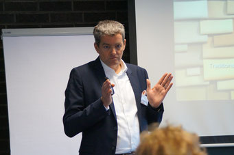 Dirk Offermanns (König + Neurath AG) beim Social Talk 2018 © Sabine Schlitt, EKKW
