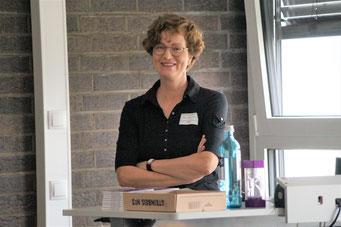 Katrin Lindow-Schröder (EKHN) beim II. Hessischen Engagementkongress 2021 an der Ev. Hochschule Darmstadt.   © Foto: S. Schlitt, EKKW