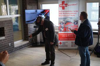 Im virtuellen Rettungswagen des DRK-Rettungsdienst Rheinhessen-Nahe auf dem Social Talk 2017 © Sabine Schlitt, EKKW