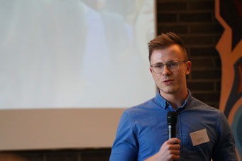Dominik Nitsch (Linguedo) in der Arena der Sozialpioniere beim Social Talk 2018 © Sabine Schlitt, EKKW