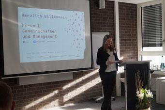 Moderatorin Verena Kümmel, EHD | Social Talk 2016 © Sabine Schlitt, EKKW