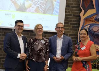 Prof. Dr. Michael Vilain (IZGS der EHD), Maren Ewald (Hans und Ilse Breuer-Stiftung), Kai Klose (Hessischer Minister für Soziales und Integration), Dr. Katja Bär (Hans und Ilse Breuer-Stiftung) (v.l.) | Foto: Ehrig/EHD