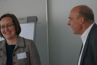 Dr. Kathrin Voss und Moderator Bernd Kreh (Diakonie Hessen) im Gespräch | Social Talk 2016 © Sabine Schlitt, EKKW