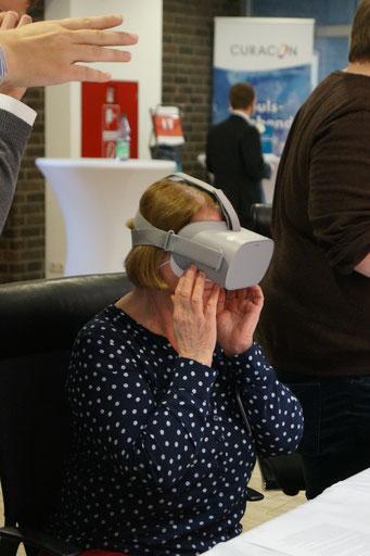 Virtuelle Realitäten auf dem Social Talk erleben. | Social Talk 2018 © Sabine Schlitt, EKKW