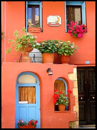 Details en Sfeer van Nestkastjes in Griekse stijl _10