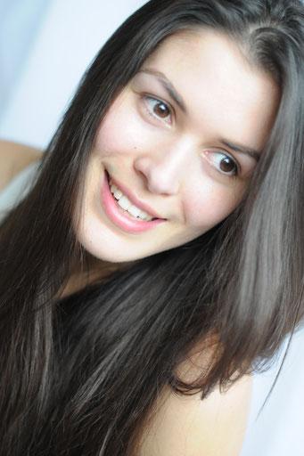 Yasmin R.