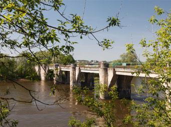 Мост из Знаменского в Петрово-Дальнее.