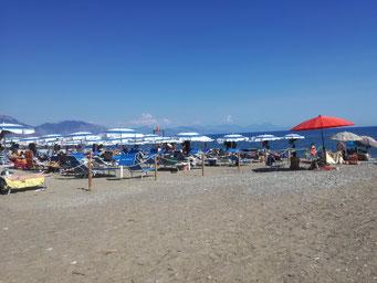 spiaggia libera policastro a 350 m.