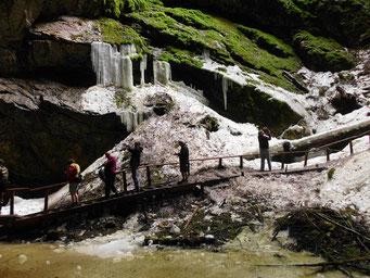 Auf dem Weg zur Gletscherhöhle