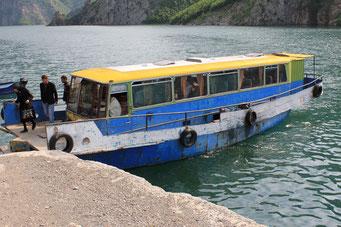 Busfahrer oder Kapitän (Karosserie als Bootsaufbau)
