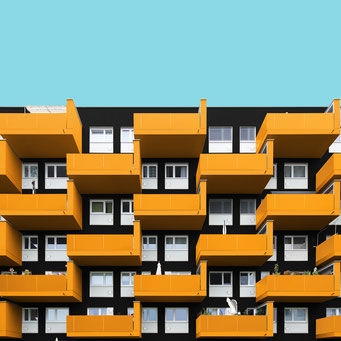 Black and yellow - Linz colorful facades modern architecture photography