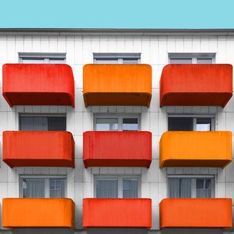 9 orange balconies - Linz