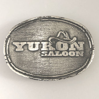 """Anfertigung einer individuellen Gürtelschnalle nach Kundenvorlage Logo """"Yokon Saloon Dinslaken"""". Sandguss aus massivem Messing mit Oberfläche in Nickel antik. - nachguss.de"""