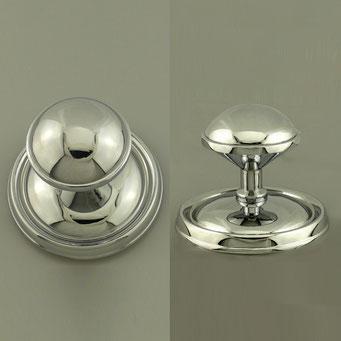 Anfertigung von großem, schwerem Knopf nach Kundenmuster für doppelflügliges Eingangsportal. Material: Messing mit glänzend verchromter Oberfläche. - nachguss.de