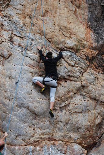 Mi alumna más motivada, Cristi en la sierra de Huelva.