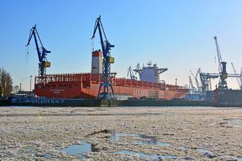 Winter im Hamburger Hafen, hier im DOCK ELBE 17