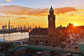 Sonnenuntergang übewr dem Hamburger Hafen