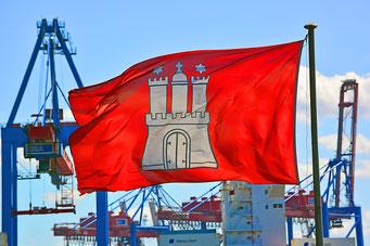 Hamburg-Flagge am Museumshafen Övelgönne