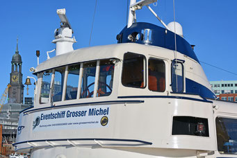 "Eventschiff ""Grosser Michel"" am Liegeplatz"