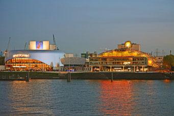 Die beiden Hafen-Theater: STAGE THEATER AN DER ELBE u. KÖNIG DER LÖWEN