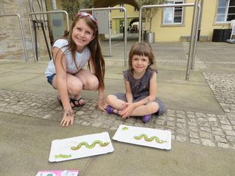 Und auf der Straße trifft man auf so kreative Küchen-Künstlerinnen wie diese beiden Damen.