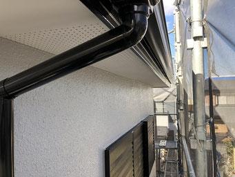 2階窓上端(さいたま市の住宅外壁塗装)