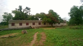 Bauarbeiten an der Maternelle, Mai 2017 (Rückansicht des Schulgebäudes)