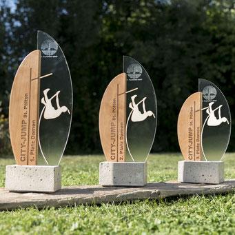 Pokale für das City-Jump-Event in St. Pölten.