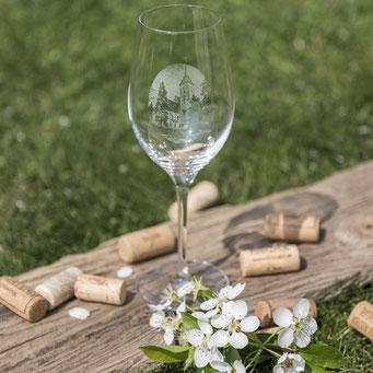 Weinglas mit Lasergravur.
