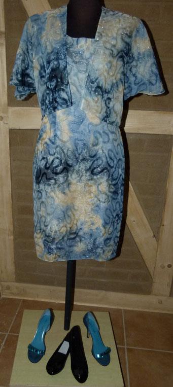 Kleid mit passender Bolero-Jacke, auch in Brauntönen erhältlich - Ehemaliger Shop-Preis: 79 € - bei uns nur 28 € inkl. Versandkosten