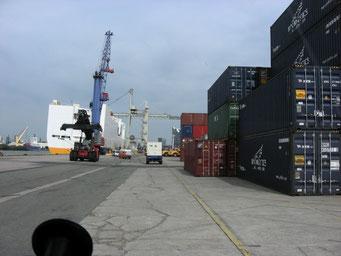 Die Grande Amburgo steht bereit und wird beladen