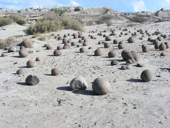 runde Kugeln aus Stein