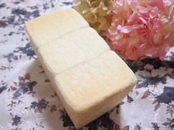白い食パン(1斤) ヤマザキのふんわり食パンに似た耳の柔らかい食パンです ★