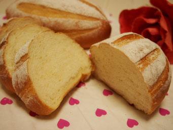 ミルクハース(中3個)サブマリン型に作り朝食にもぴったりなふわふわパンに仕上げます ★
