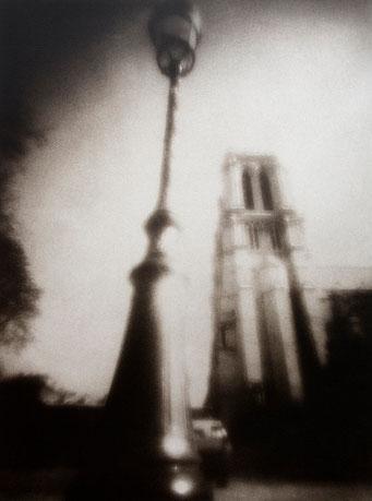 Notre-Dame (2), 2007, tirage procédé FRESSON, bichromie, Numéro 1/5, format image 30x40 cm. © Annick Maroussy