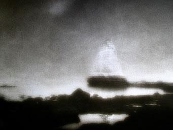 """Roc Vaudieu (H),  2003, """"Zone Plate"""", tirage au charbon, bichromie FRESSON, format image 30x40cm, montée sous passe partout 50x60cm, numéro 1/5. © Annick Maroussy"""