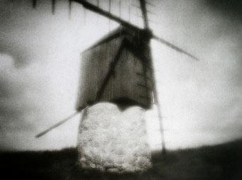Ouessant, Le Gouzoul, 2005, tirage procédé FRESSON, format image 30x40cm, sous passe-partout 50x60cm, Numéro 1/5. © Annick Maroussy